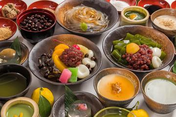 ところてんと和デザート beans and cubes of agar Japanese sweet