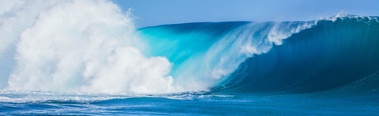 Teahupoo Swell Tahiti 2015