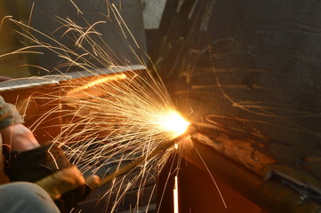 Welding welding workers strike out sparks
