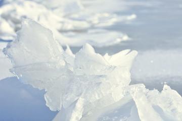 御神渡り 盛り上がった氷
