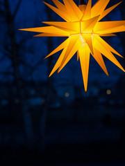 Stimmungsvolles Licht - Adventszeit - Weihnachten - Herrnhuter Stern