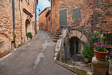 Lacoste, Vaucluse, Provence, France: ancient alley in the old town