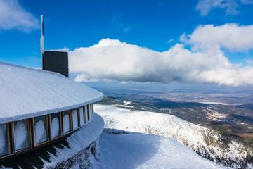 Blick von der Schneekoppe im Riesengebirge in Tschechien