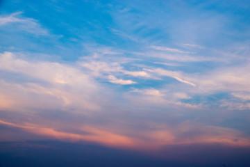 Wolken im Sonnenuntergang