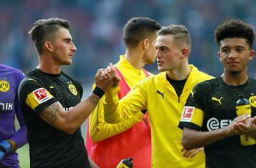 Bundesliga - VfB Stuttgart v Borussia Dortmund