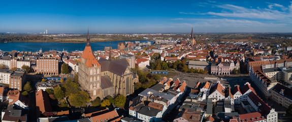Panorama mit St.Marien-Kirche und Rathaus, Neuer Markt der Hansestadt Rostock