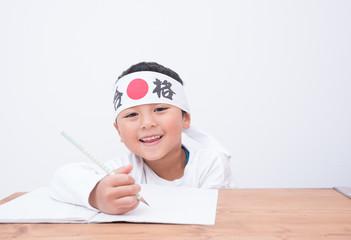 受験勉強する子供