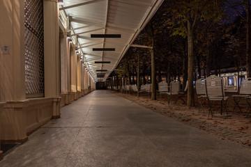 Einkaufspassage beim Kurhaus in Baden-Baden bei Nacht