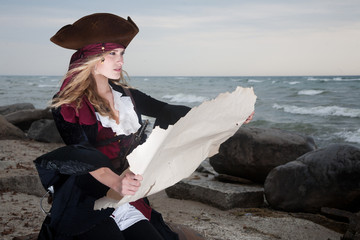 Pirate inspects Map