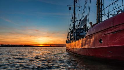 Segelschiff in der Elbe