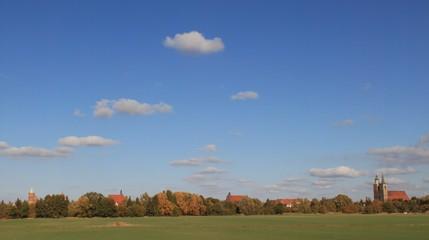 Goldener Oktober im Fläming; Blick von Süden auf Jüterbog