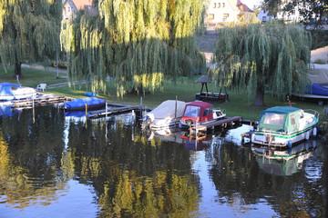 Photo sur Aluminium Nautique motorise Motroboot im hafen