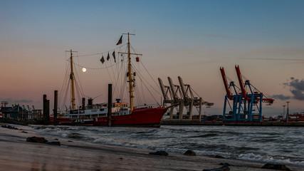 Am Hafen im Norden, Hamburg