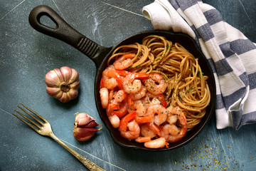 Wholegrain spaghetti with shrimps.Top view.