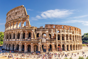 Photo sur Plexiglas Rome The Roman Colosseum in summer