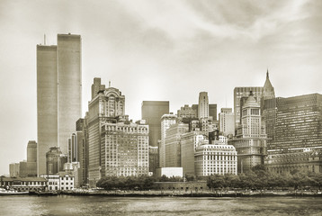 Photo sur Aluminium New York City New York City skyline from NJ with World Trade Center featured as landmark of Twin Towers, destroyed in September 11, 2001. Sepia background, vintage style. Lower Manhattan in NYC, United States.