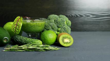 Смузи, соки, овощи и фрукты, здоровое питание, вегетарианство