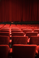 Stores à enrouleur Opera, Theatre red seats at the theater