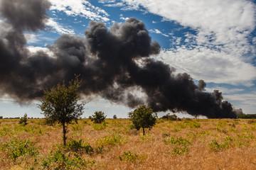 Incendio en una planta de reciclaje.