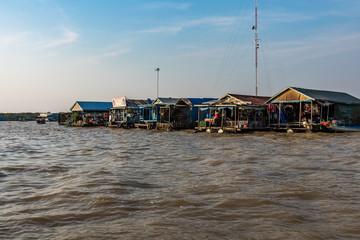 Kambodscha  - Siem Reap - schwimmende Dörfer auf dem Tonle Sap