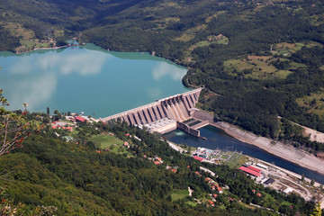 Papiers peints Barrage hydroelectric power plant Perucac on Drina river landscape
