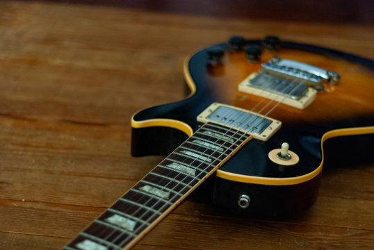 Vintage Tobacco Sunburst Electric Guitar