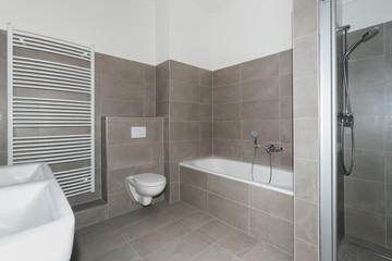 Badezimmer modern hell
