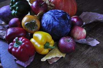 Stillleben mit Obst und Gemüse