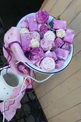 Handgemachte Seifen in verschiedenen Farben und Formen