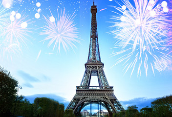 Poster Tour Eiffel famouse eiffel Tower and light blue night with fireworks, France