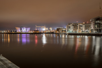 Fotomurales - Titanic Belfast in the night