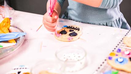 Decorating Halloween cookies