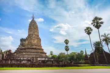 Wat Phra Si Ratana Mahathat in Si Satchanalai Historical Park