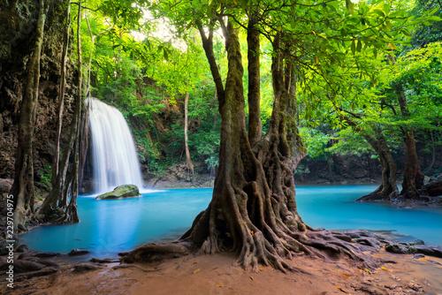 Fototapete Erawan Waterfall in Thailand is locate in Kanchanaburi Provience. This waterfall is in Erawan national park