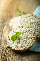 Crispy rice bread