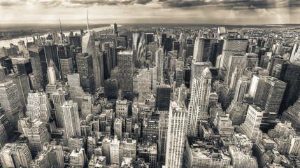 Fototapete - New York City, USA. Amazing aerial Manhattan view at sunset