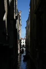 Keuken foto achterwand Smal steegje Venice, canal in the shade
