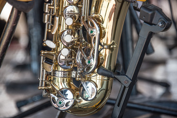 saxofon instrumento musical botones dorado teclas musica
