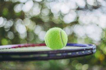 テニスボール ラケット