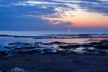 和歌山県田辺町の夕暮れの海
