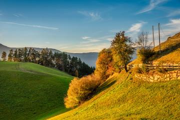 Goldene Stunde über dem herbstlichen Südtirol