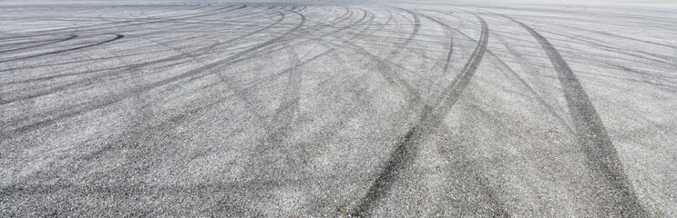 Stores à enrouleur F1 Car track asphalt pavement background at the circuit