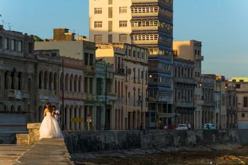Sesión de fotografía en el  malecón de la Habana.