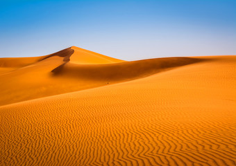 Foto op Plexiglas Droogte Amazing view of sand dunes in the Sahara Desert. Location: Sahara Desert, Merzouga, Morocco. Artistic picture. Beauty world.