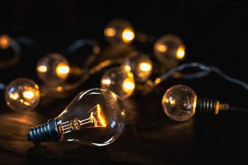 Para apreciar la luz , hay que conocer la oscuridad