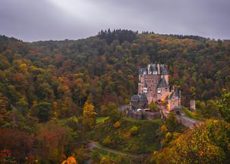 Burg Schloss in der Eifel Deutschland