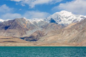 Moutains near Bulunkou River (Karakorum Highway, Xinjiang, China)