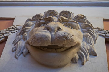 Mask in the form of a lion's snout. Unexpected moldings in Pavlovsky Palace.