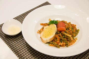 macaroni pasta in spicy tomato sauce