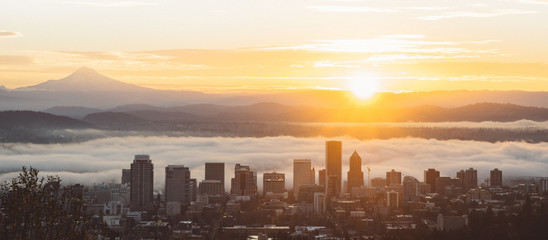 Sunrise in Portland, Oregon, from the Pittock Mansion